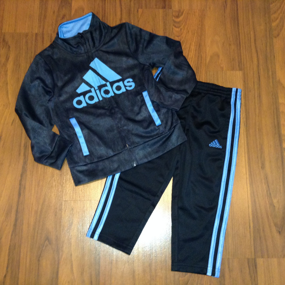 ec131ce91050 adidas Toddler Boys Tracksuit Size 3T New